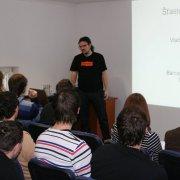 Vladimír Přichystal přednáší na vsetínském Barcampu