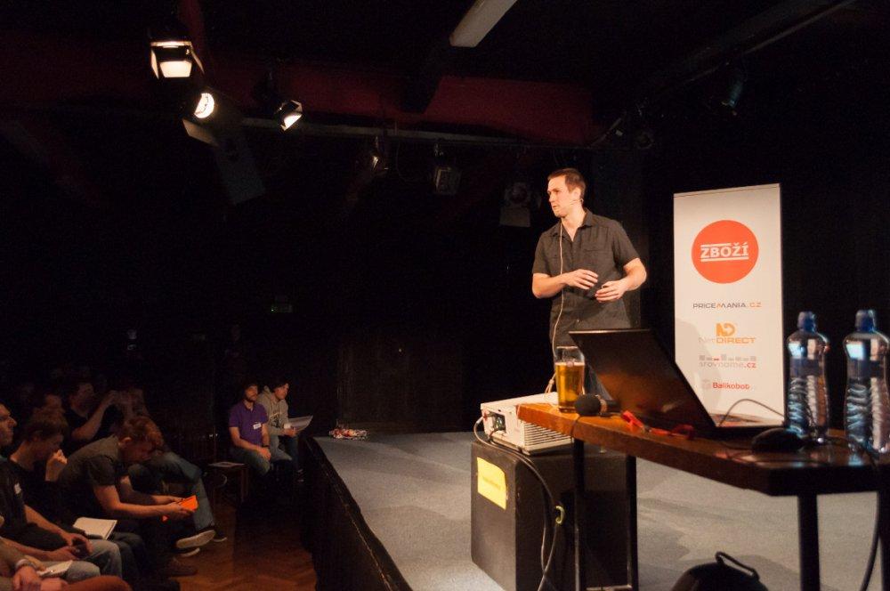 Filip Podstavec z GetFound na nekonferenci